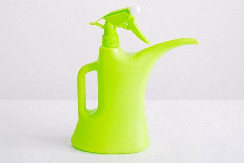 Arrosoir avec spray adapté à la phase de gémination